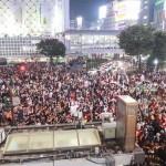 2018ハロウィン当日の渋谷センター街はDJポリスが出動するほどの熱狂!!翌朝はゴミだらけか?