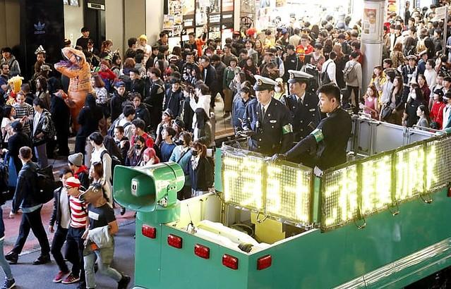 渋谷ハロウィンで痴漢容疑など男13人逮捕